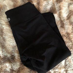 "lululemon athletica Pants - 2!!!! Lululemon Black ""wonder under"" fit leggings."